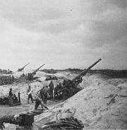 180px-155mmguns_okinawa1945